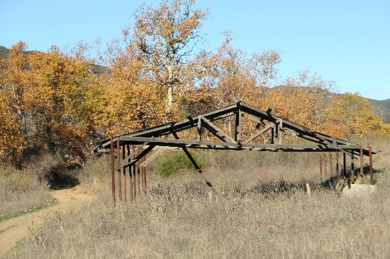 Big Sycamore Canyon Hike: Frame of a barn still standing in Sycamore Canyon