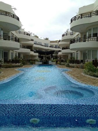 7Stones Boracay Suites: 飯店全景