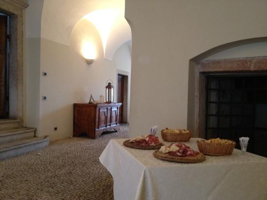 Casa del Vino della Vallagarina: Portico del ristorante