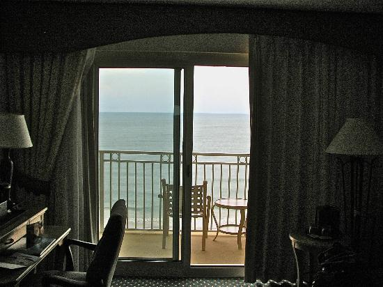 Myrtle Beach Marriott Resort & Spa at Grande Dunes: View of the balcony from room 1105