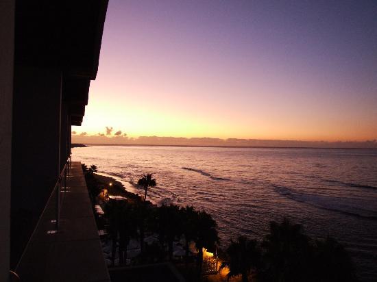 IFA Faro Hotel: Ausblick gegen Osten frühmorgens.