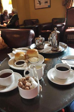 Beechwood Hotel: Cream tea was served in the bar area