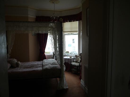 Plas Llwyd: Room