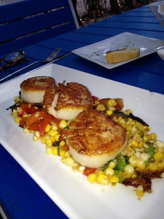Trabue : Seared scallops