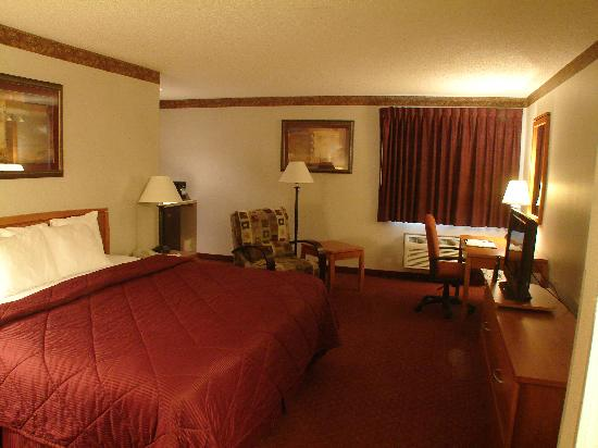 Comfort Inn: Relax in one of our Suites