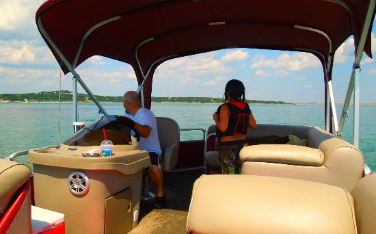 Canyon Lake Marina: Having fun on the pontoon