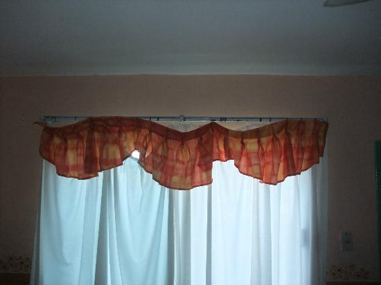 Hotel El Caracol: Curtains