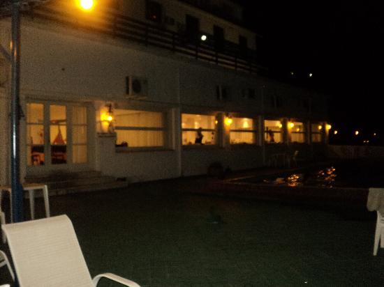 Hotel Casino Carmelo: foto de la pile de noche y vista al resto