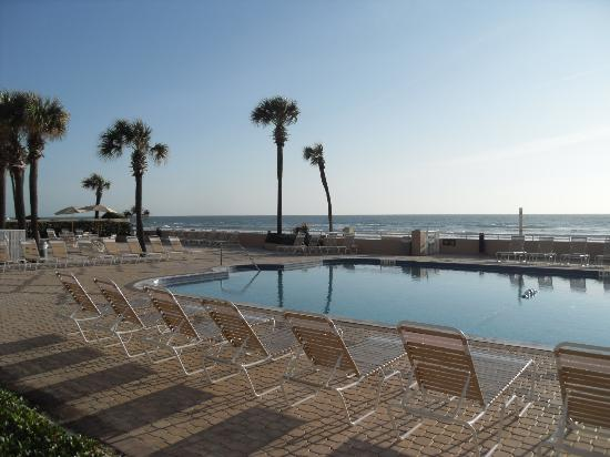 Holiday Inn & Suites Daytona Beach on the Ocean: piscine
