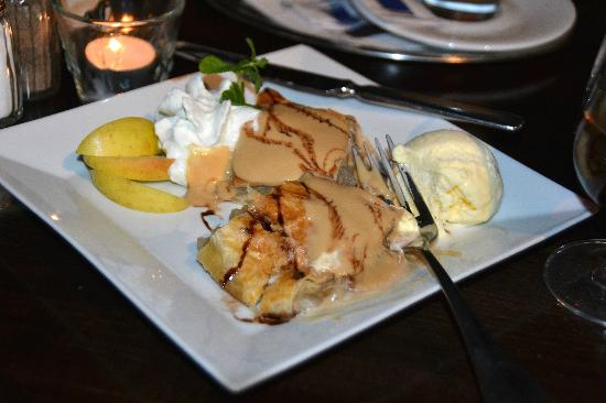 "Restaurant White Horse: Apples with Vanilla Bean Ice Cream and warm Caramel Sauce ""May be the best dessert we've ever ea"
