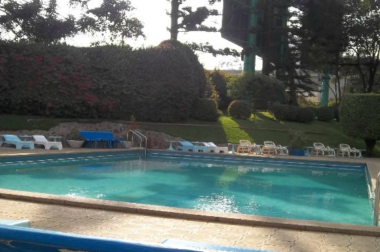 Sentrim Nairobi Boulevard Hotel: Sitting by the swimming pool