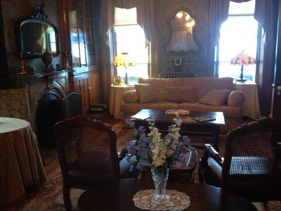 Victorian Mansion: sitting room