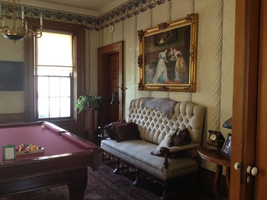 Victorian Mansion: parlor