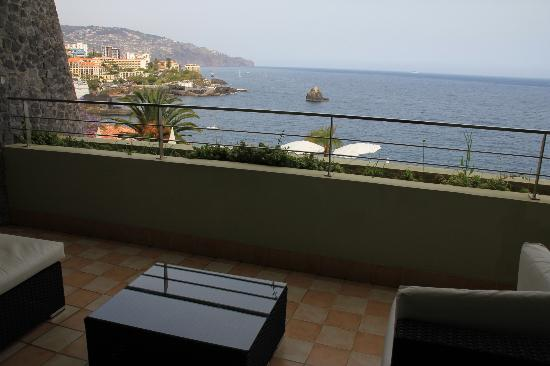Madeira Regency Cliff: View on the Funchal side