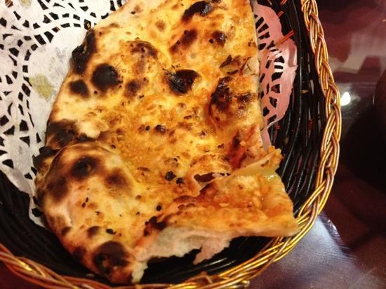 India Gate: Garlic Roti Bread