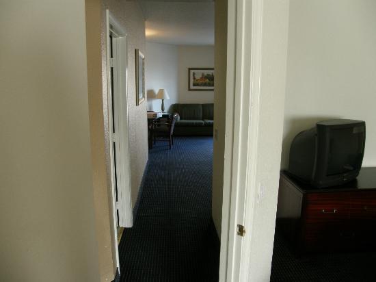 Quality Inn & Suites Oceanview: hallway