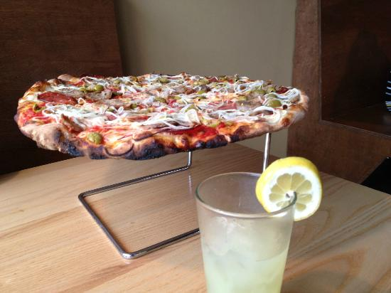 Black Sheep Coal Fired Pizza: A great pizza