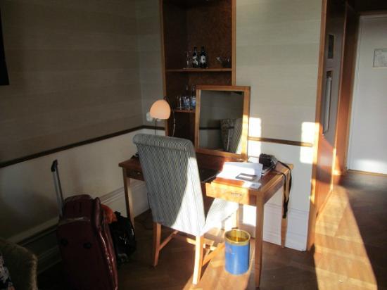 Grand Hotel: room