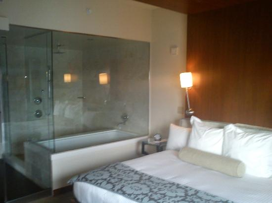Merveilleux Andaz San Diego Suite   Bathtub From Bedroom