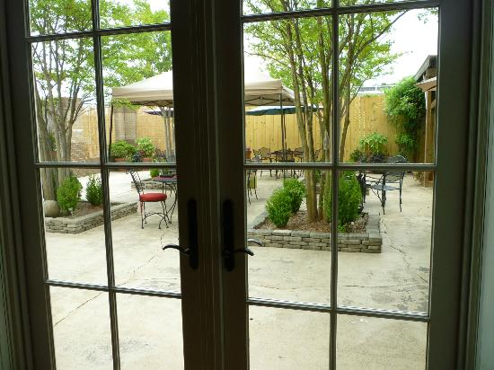The Red Pepper: View of the patio from the large dining room