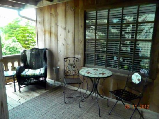 Coppersmith Inn Bed & Breakfast: the Carriage house porch