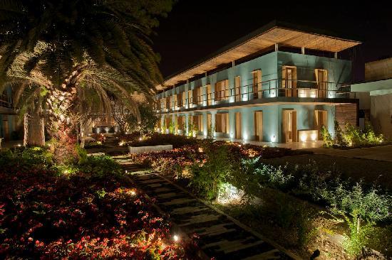Hotel b¨o: Jardines