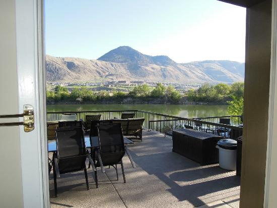 Riverland Inn & Suites: View from the room over the river
