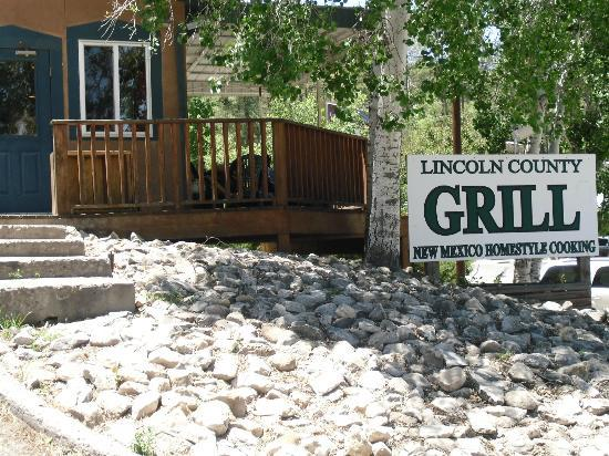 Lincoln County Grill - exterior sign