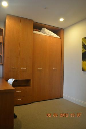 Latitude 37 Accommodation Ltd: 3rd Bedroom As A Home Office