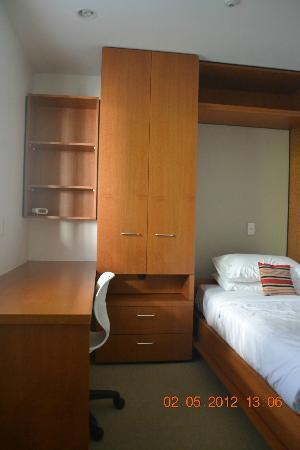 Latitude 37 Accommodation Ltd: 3rd Bedroom With Twin Wallbed Folded Down