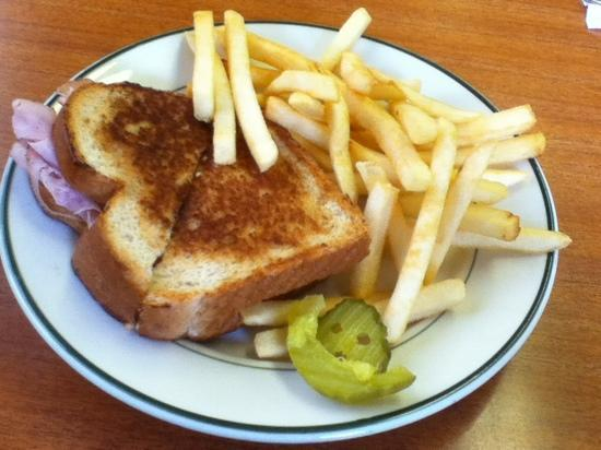 Town Hall Restaurant: ham & cheese sandwich w/fries