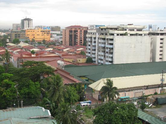 Copacobana Apartment Hotel: View of Manila
