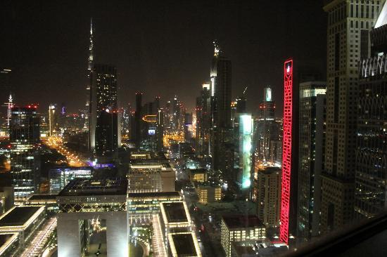 Jumeirah Emirates Towers: Room 3704