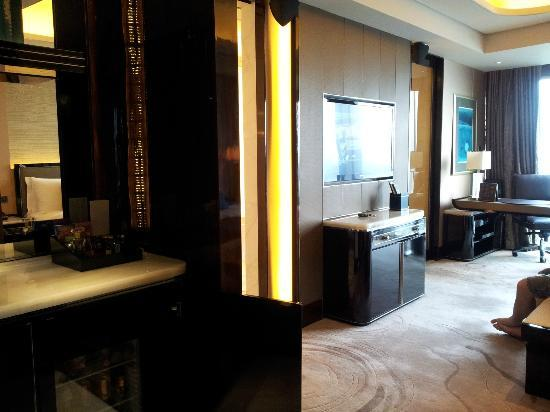 The St. Regis Shenzhen: when you step in your room