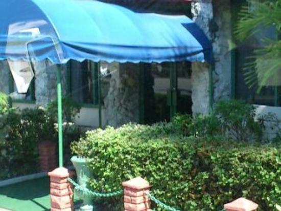Hotel Chateaubleau : Entrada al Restaurant