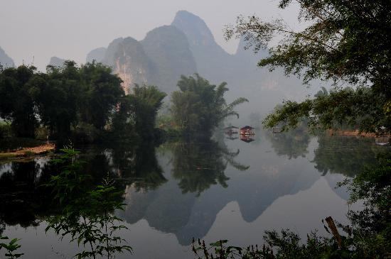 The Giggling Tree: Scenic Yulong river
