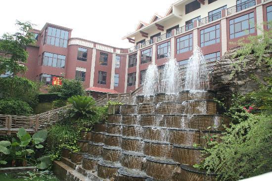 Lianshi Hotel : 酒店中庭