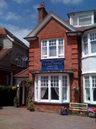 The Chines Hotel: Front of property