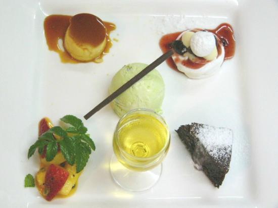 Fantail Lodge : Fantail dessert compilation