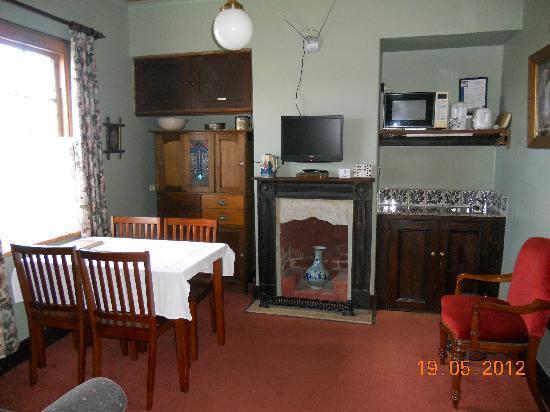 Sorell Barracks: 2 Bedroom Suite Sitting Room