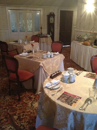 Bli Bli House Luxury Bed and Breakfast: Stunning dining area