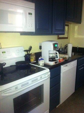 Flagler Beach Motel: Full kitchens in every room.