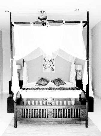 Surya Shanti Villa: Our bed
