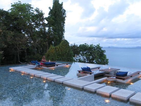 Sri Panwa Phuket Luxury Pool Villa Hotel: Dinner @ Baba Pool CLub