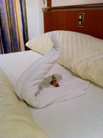 Leoneck Swiss Hotel: Lohengrins Bettwaesche?