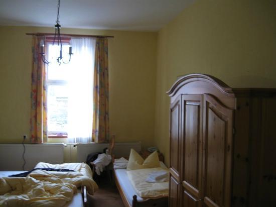 Behringen, Niemcy: Zimmer mit Beistellbett
