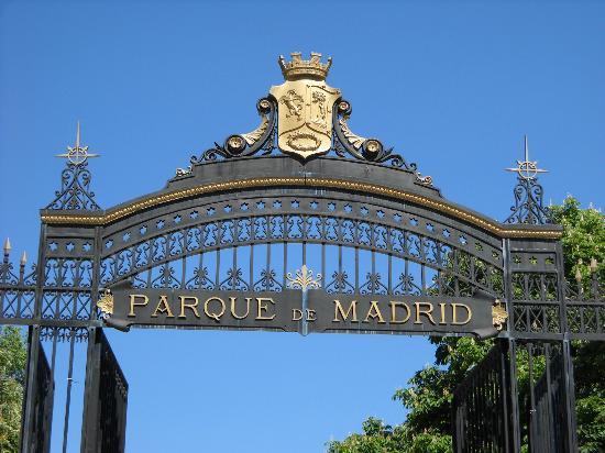 Foto de parque del retiro madrid entrada tripadvisor for Parques de madrid espana