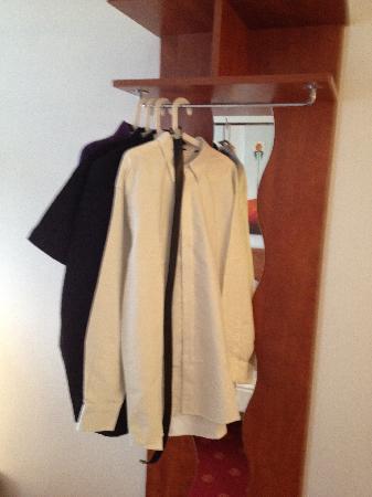 Centro Hotel Keese: the wardrobe !!!!!
