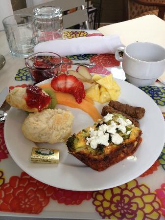 ماوجر إيستايت بي آند بي إن: Always a great breakfast.
