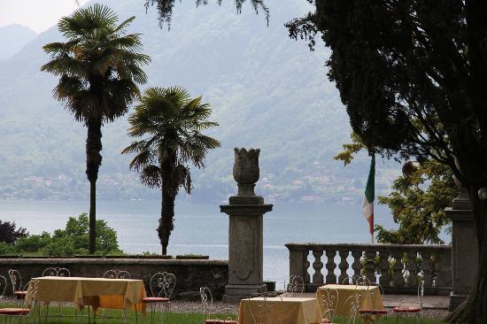 Castello Di Frino: großer Garten